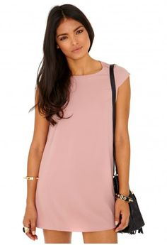 Missguided - Daira Loose Shift Dress In Dusky Pink duski pink, missguid, loos shift, dusty pink, shift dresses, daira loos, cloth whore