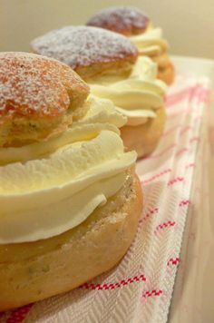 Cream Buns | Delicious Cooking