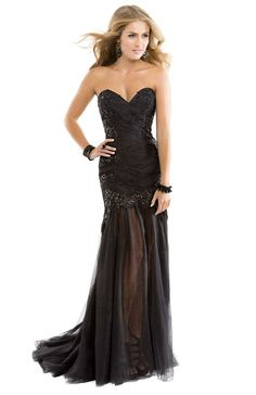 Black tulle dress with sequin lace | Flirt #flirtprom #prom #dress #lbd