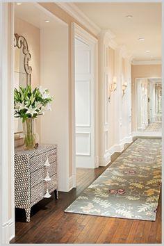 Design Chic - beautiful hallway