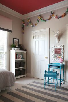 Our girls' bedroom: using every corner  (via the Pottery Barn Kids blog)