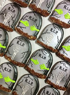 Tombstones cookies