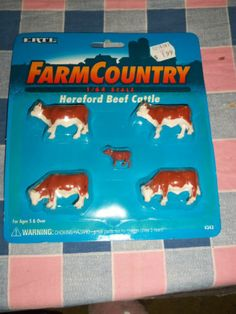 Ertl Farm Country 1/64 Scale Hereford Beef Cattle