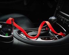 Tylt Car Charger / http://thegadgetflow.com/portfolio/tylt-car-charger/