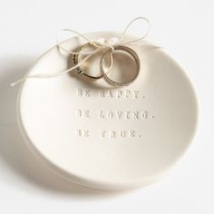 Love this beautiful ring bearer bowl http://rstyle.me/n/m4h5mnyg6