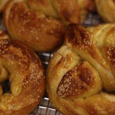 Secret Copycat Restaurant Recipes – Auntie Anne's Soft Pretzels Recipe