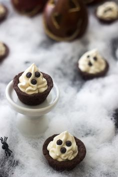 Spooky Chocolate Cookie Cups