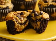 chocolate and peanut butter layer cupcakes