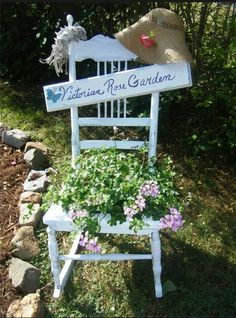 Garden sign by Barbara Crescenzo Vengalli.