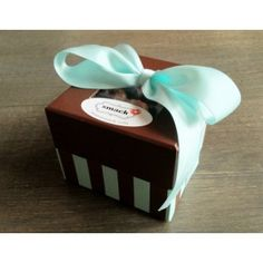 Caneles Box of 12
