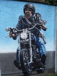 Sam Bates (Smug), - Glasgow, 09  #streetart #arteurbana #graffiti #urbanart #mural #wall