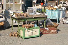 love Marian's flea market set up!