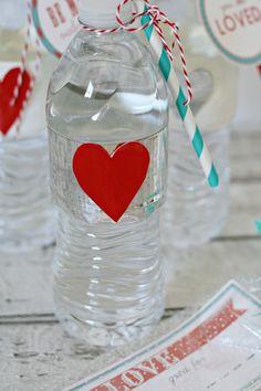Valentine Party Water Bottles   TodaysCreativeBlog.net