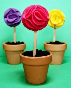 Mini Edible Dirt Pudding Flower Cups