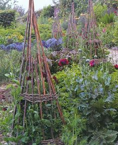image from the book Smith & Hawken Garden Structures by Linda Joan Smith