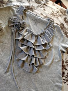 Sarahndipities ~ fortunate handmade finds: Things to Make: Great T-Shirt Refashion #T-Shirt #Refashion #Uocycle #Repurpose #Reuse #Revamp #Junk Gypsy #T-Shirt Refashion #Recycle #Fashion