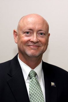 Scott Barber, '99, is the City Manager of Riverside.