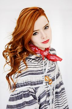redhead - Jane Aldridge>>>I like the highlights for my strawberry blonde hair