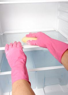 If you dread the chore of a thorough refrigerator cleaning job that should be done regularly (or your fridge turns into one funky mess), here's an easy way to avoid the big task: