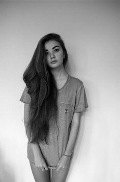 She has my dream hair length.