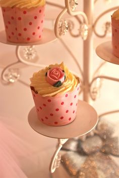 Rose cupcakes at a Ballerina Party #ballerina #cupcakes