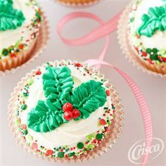 Holly Leaves Cupcakes from Crisco®