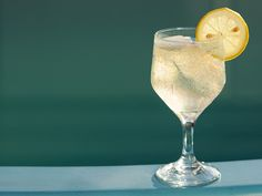 """The Juliet"" White Wine Spritzer Recipe - Momtastic"