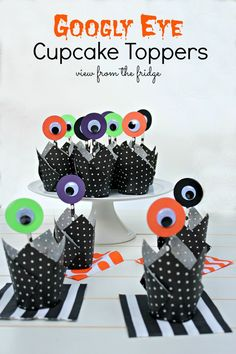 Googly-eye-cupcake-toppers