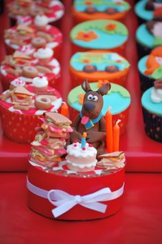 scoobydoo minicak, cupcakes, food, scooby doo cupcake, scoobydoo cake, mini cakes, scoobi doo, birthday cakes