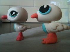 """Gumpaste """"Littlest Pet Shop"""" figurine By mylittlemod on CakeCentral.com"""