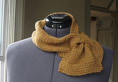 Beginner Keyhole Scarf-- free Ravelry download