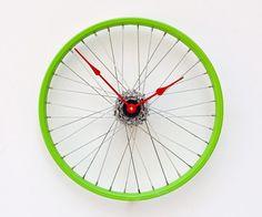 Bike Wheel Clock. Love.