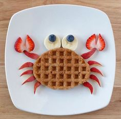 The cutest crab shaped waffle idea! | #kidsbreakfast