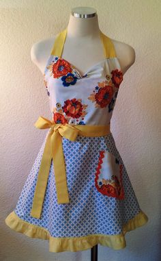 love retro aprons!