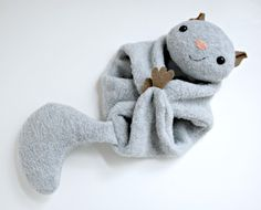 Free pattern for a flying squirrel by Abby Glassenberg for Wild Olive.