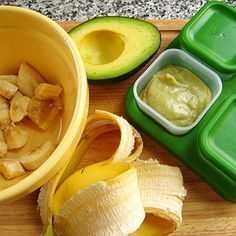 How to Make Avocado Puree for Babies