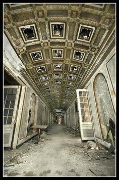 Lee Plaza - Detroit, Michigan  ~ Abandoned