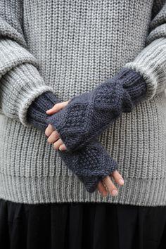 diamond classic fingerless gloves