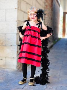 Easy-Sew Flapper Halloween Costume for Kids >> http://www.diynetwork.com/decorating/how-to-make-a-flapper-dress-halloween-costume/pictures/index.html?soc=pinterest