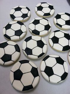 This Pin was discovered by Jhons Din. Discover (and save!) your own Pins on Pinterest. | See more about soccer ball, cookies and soccer.