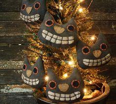 Primitive Folk Art Halloween Cat Head Ornies, by Rock River Stitches