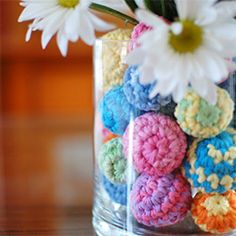 Create this colorful centerpiece with this quick and easy crochet pattern. craft, balls, ball centerpiec, patterns, beauti centerpiec, ball pattern, crochet ball, knit, centerpieces