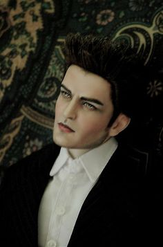OOAK Robert Tonner Twilight Sutherland Edward Robert Pattinson Repaint doll