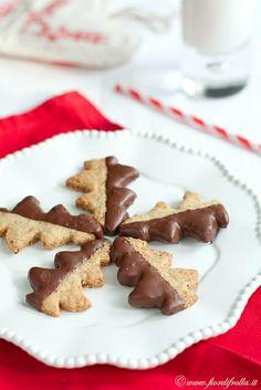 Yummy little chocolate dipped Pistachio Christmas Tree Cookies. #Christmas #cookies #food #dessert #chocolate