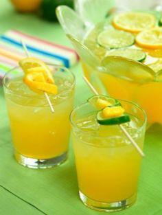 Jo Jo la Navidad. Ginger, orange juice, brandy cocktail. Delicious!