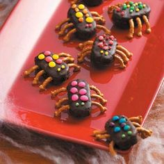Mounds snack size candy bars, pretzel pieces, chocolate frosting and misc. candies = Bugs