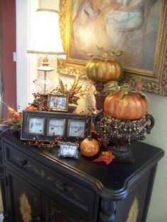 Thanksgiving decor for entryway table