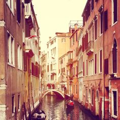 The waterways of Venezia, as seen by the MSEG/PHIL Global Study Ambassadors in Italy