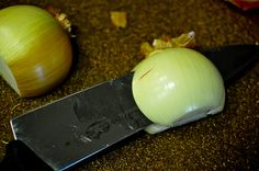 how to properly chop an onion.