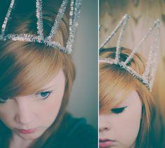 DIY Pipe cleaner crown- Make any day more Zetarriffic (helloooo, Bid Day!).